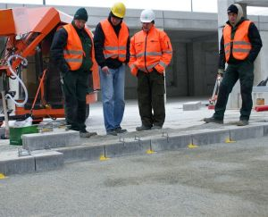 Cleaning of paving joint mortars